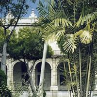 Plaza de Armas - Havana Art Gallery