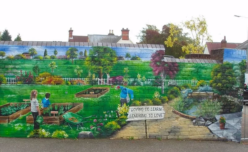 Surrey Mural Artist - Mural on Stoughton Infant School Wall Guildford Surrey